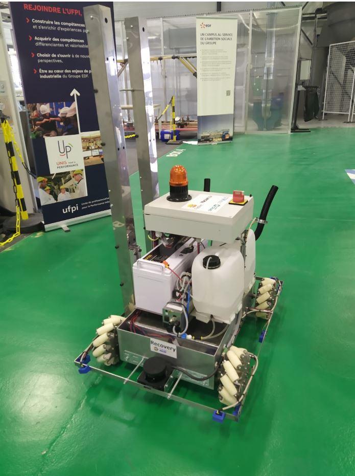 Démonstration du robot ReCOVery dans les locaux d'EDF à Tricastin